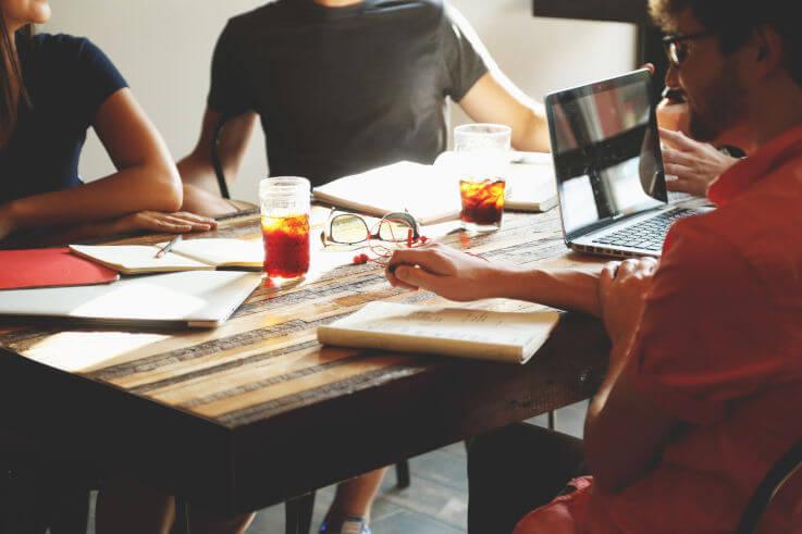 Customized debt management - Team desk discussion